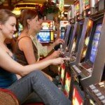 How to play slot machines at the casino